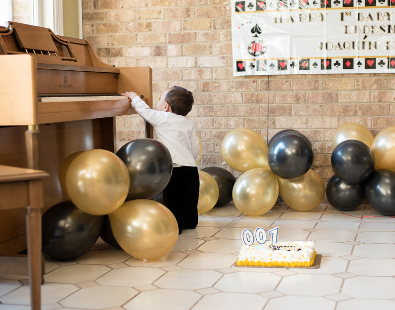 Baby James Bond Smash Cake Party