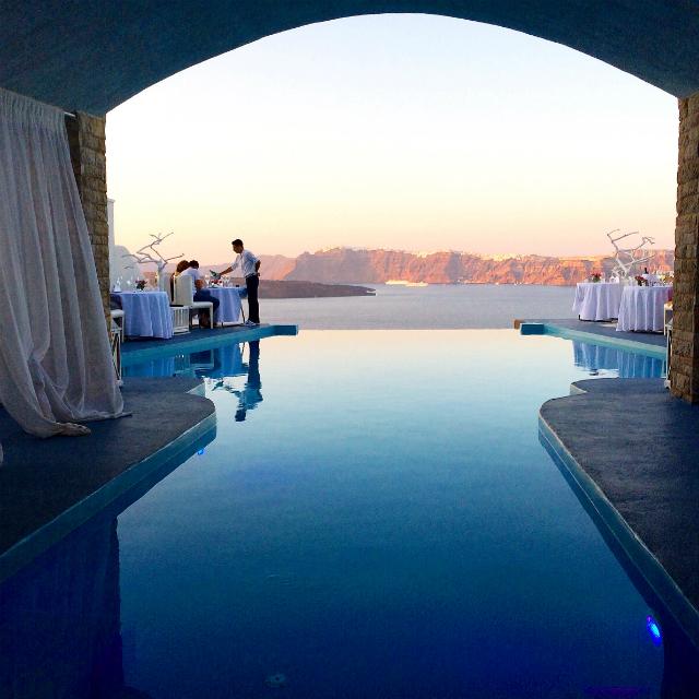 Dining Experience - Alali restaurant in Santorini- Astarte Suites Hotel