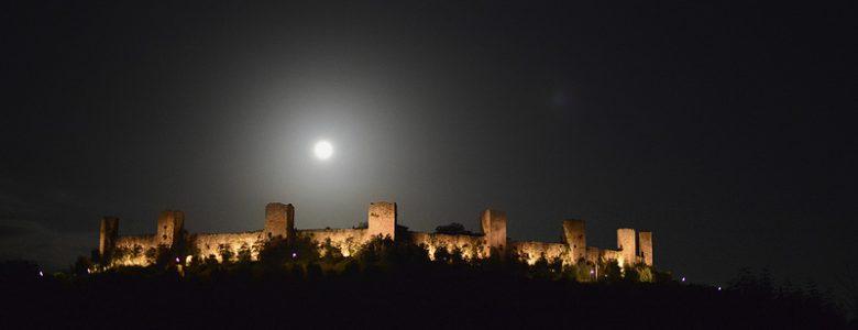 Moon on Monteriggioni