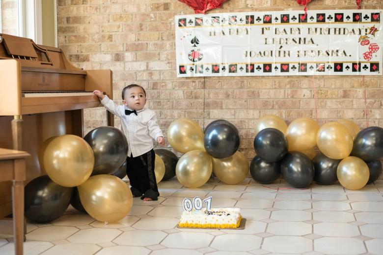 Baby James Bond Smash Cake Party