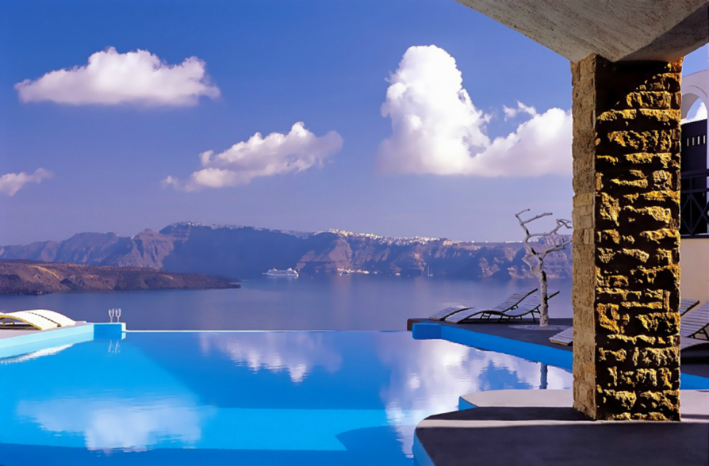 astarte-suites-hotel-infinity-pool-santorini
