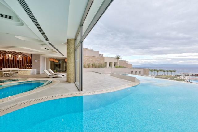Miraggio Pool