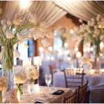 How to enhance your wedding décor with candles?