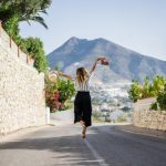 Do More With Less – Surefire Tips To Look Different Every Day With Just 5 Pair Of Clothes While Traveling