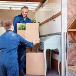 5 Reasons you should Hire a Moving Company