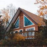 Nine Unique Family-Friendly Vacation Homes Perfect To See Fall Foliage Around The US