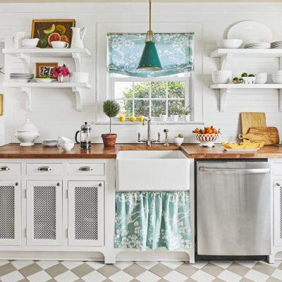 kitchen-decor-ideas-colorful-light-fixture